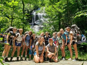 girls backpacking in pisgah national forest